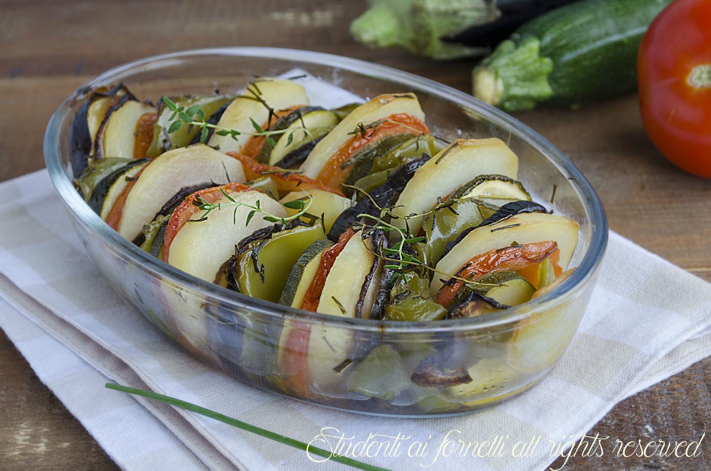 ricetta verdure al forno alle erbe aromatiche ratatouille di verdure teglia di verdure saporite al forno ricetta