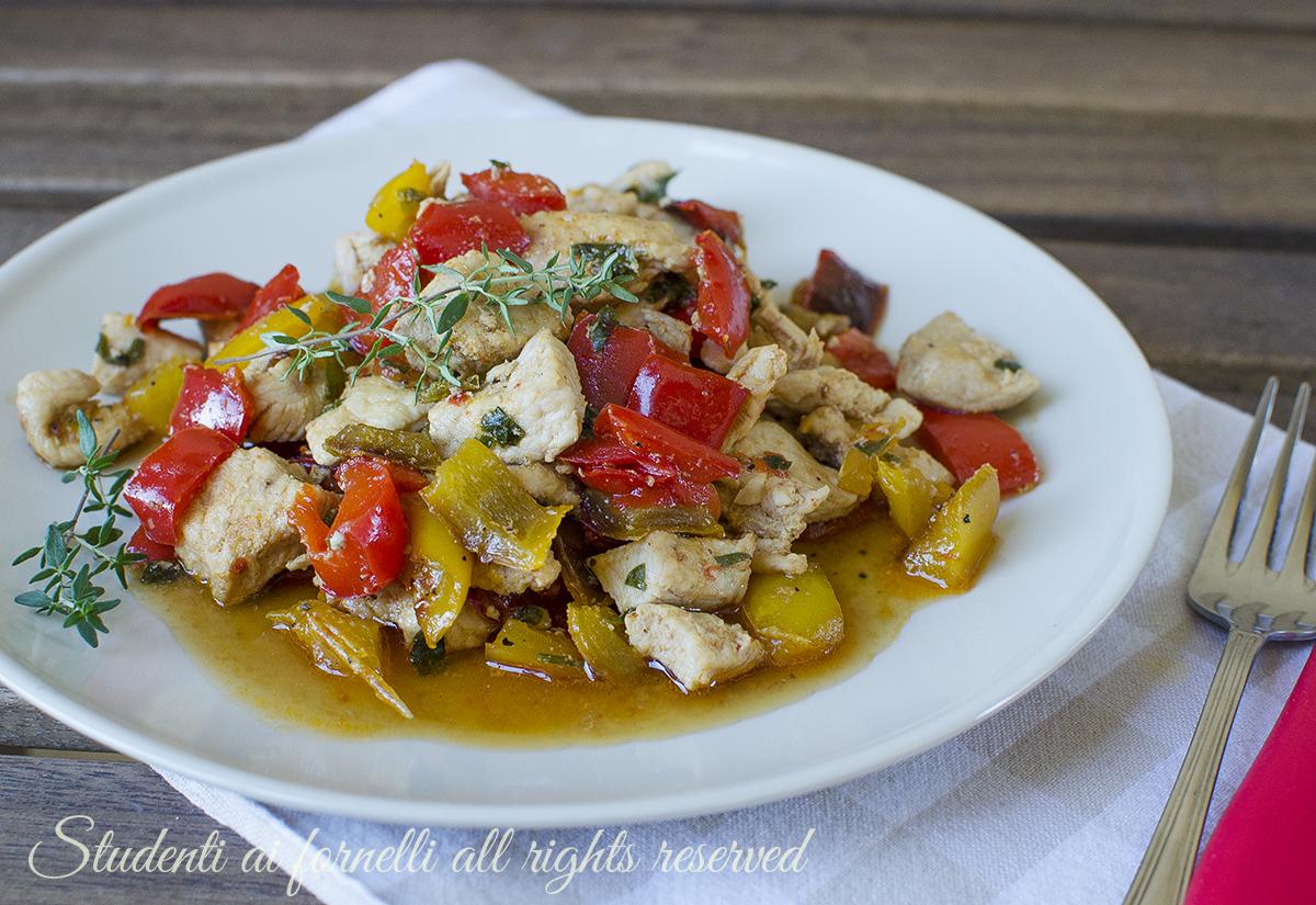 ricetta dadolata di pollo e peperoni in padella ricetta secondo veloce gustoso estivo