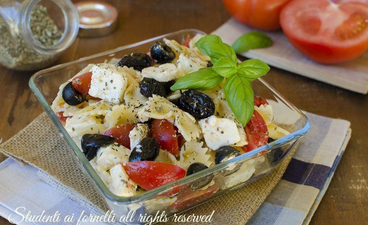 PASTA FREDDA ALLA GRECA con feta e olive