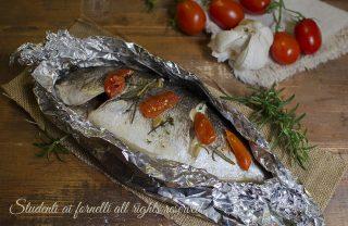 ricetta orata al cartoccio con pomodorini al forno ricetta secondo pesce facile veloce