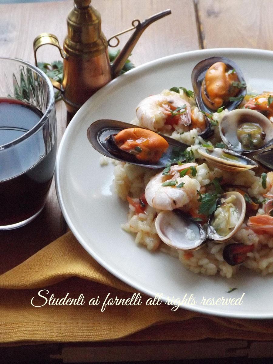 risotto alla pescatora ricetta risotto con gamberi cozze vongole pesce ricetta primo pesce natale vigilia e capodanno