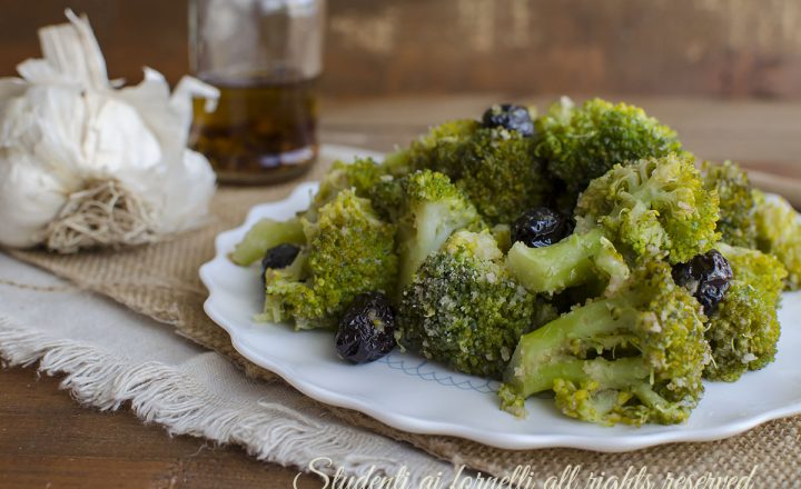 Broccoli e olive in padella