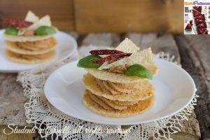 MILLEFOGLIE DI PARMIGIANO con crema ai pomodori secchi