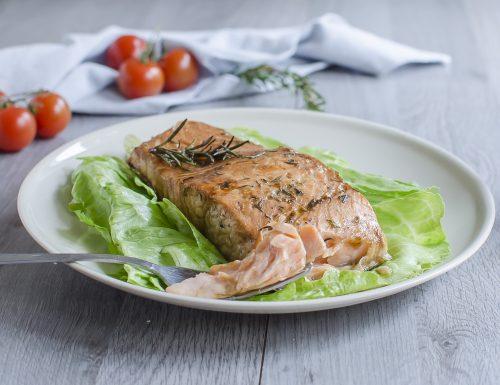 Salmone al forno alla salsa Worcestershire