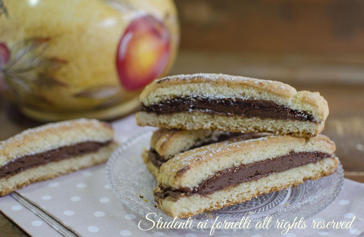 biscottoni alla nutella da inzuppo o merenda ricetta biscotti facili ripieni