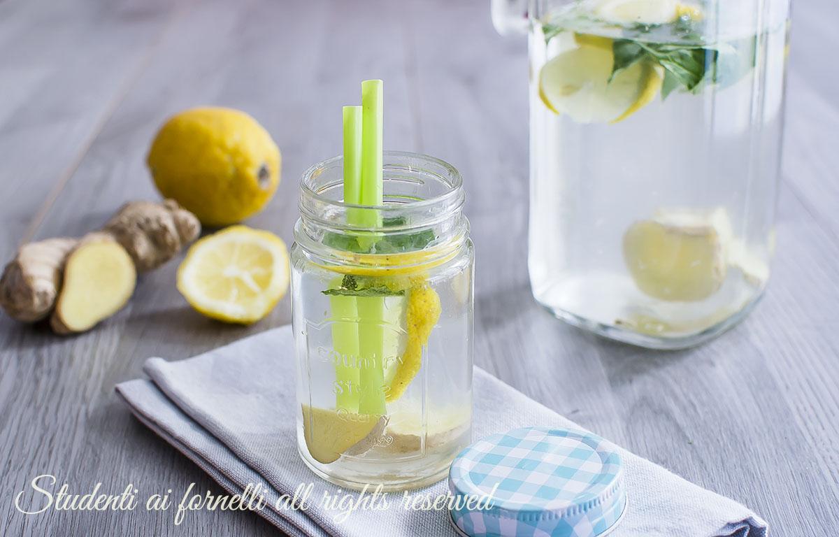 ricetta acqua detox limone zenzero e menta disintossicante dimagrante fresca dieta estiva