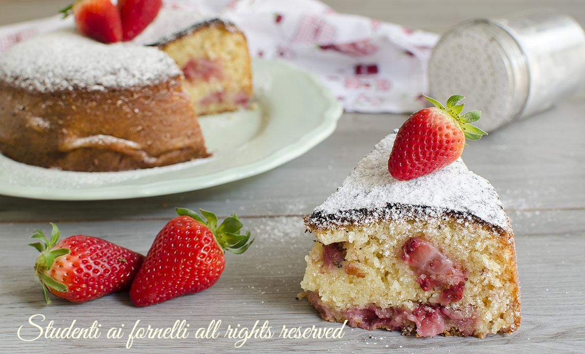 torta fragole e yogurt senza bilancia 7 vasetti ricetta dolce ciambella soffice golosa