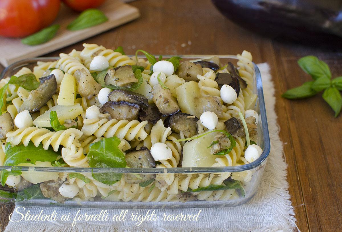 ricetta pasta fredda patate lesse e melanzane con mozzarella e rucola ricetta estiva fresca insalata facile e veloce