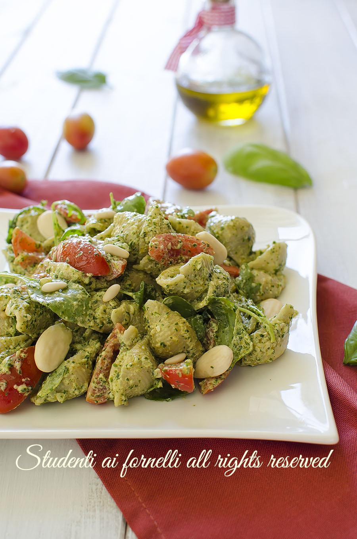 pasta al pesto di rucola e pomodorini ricetta primo estivo facile veloce senza cottura
