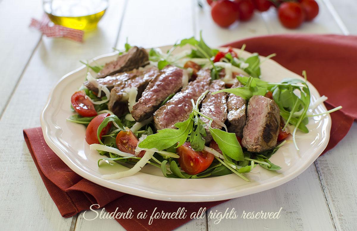 tagliata rucola e grana come rendere morbida la carne di manzo ricetta secondo veloce
