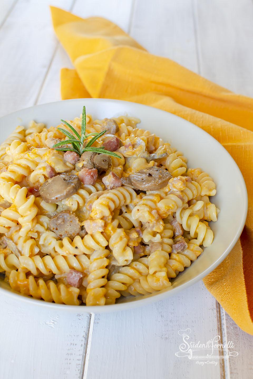 2020 ricetta pasta zucca e funghi cremosa con pancetta