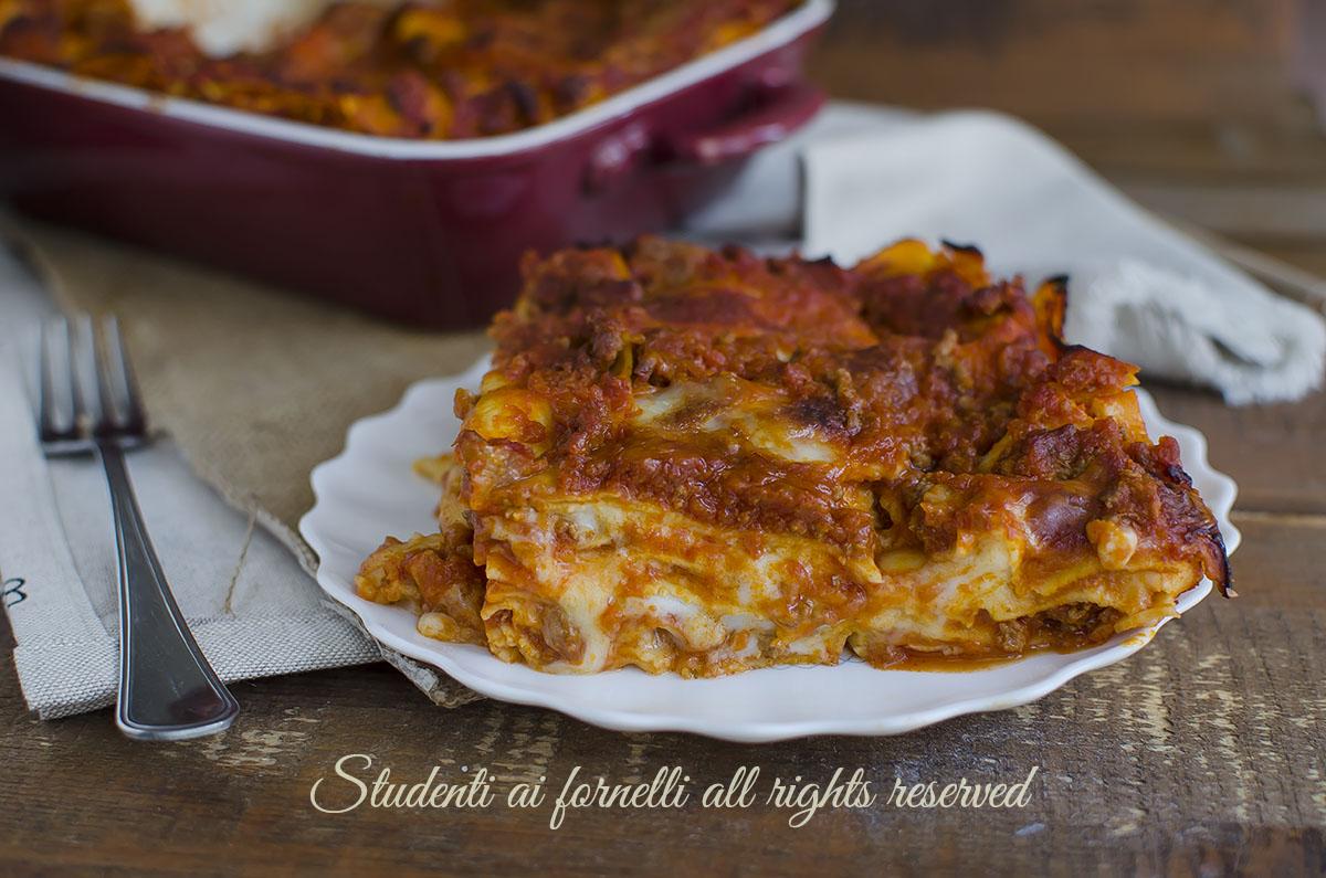 Ricetta Originale Lasagne Alla Bolognese.Lasagna Classica Al Ragu Facilissima Ricetta