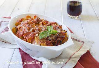 pasta al forno salsiccia e mozzarella ricetta primo piatto domenica