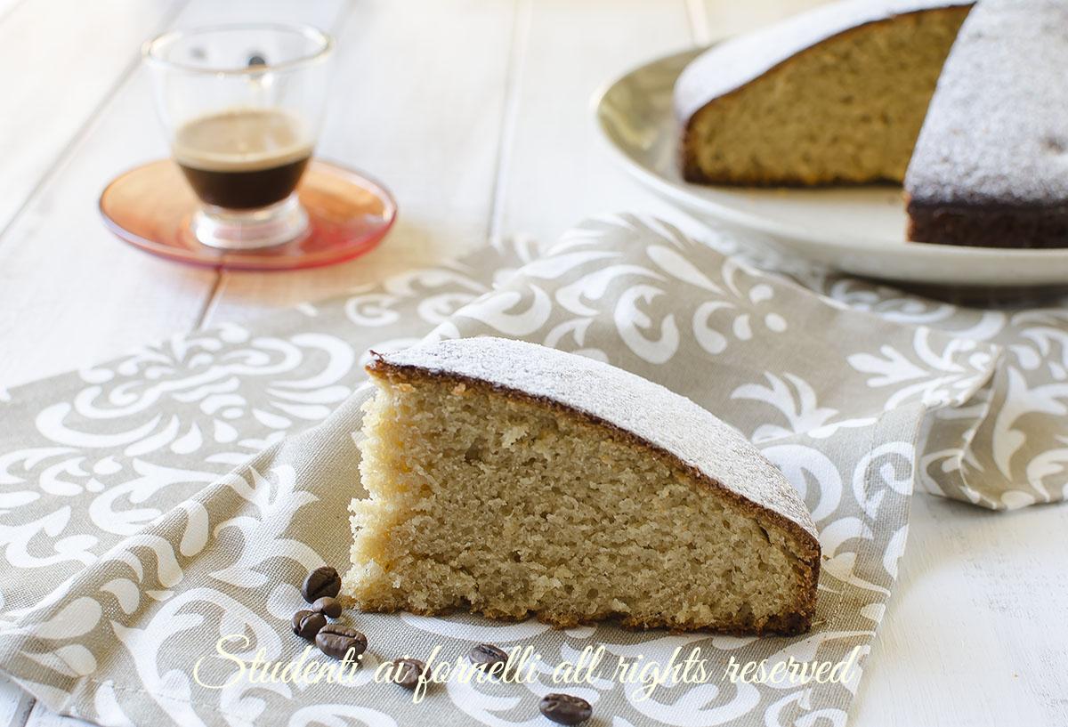 torta caffe e yogurt senza burro soffice senza bilancia ricetta dolce colazione