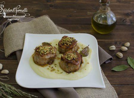 MEDAGLIONI DI CARNE GLASSATI con pistacchi e purea di patate