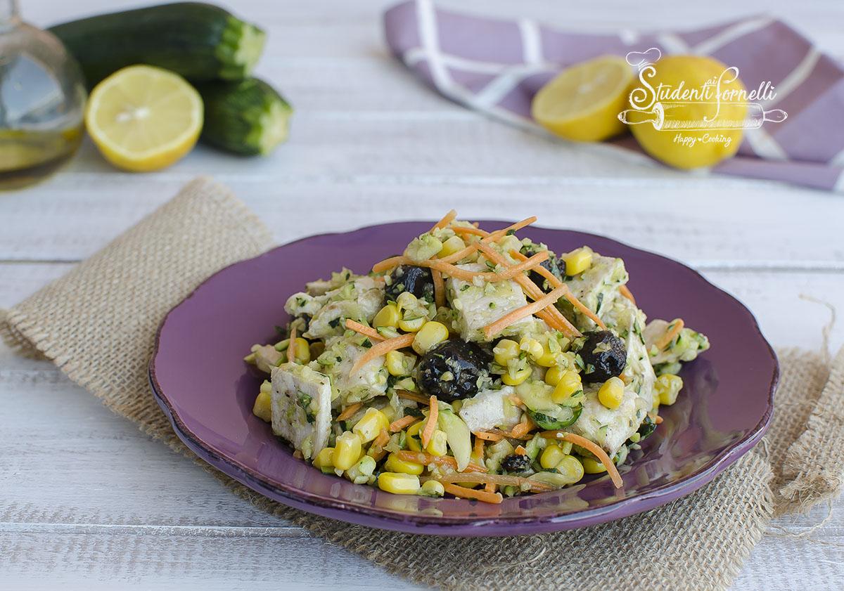 insalata pollo e zucchine crude velocissima pronta in 10 minuti ricetta estiva