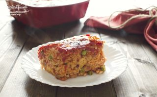 ricetta ferragosto riso al forno sugo e piselli ricetta primo piatto picnic pasquetta (1)