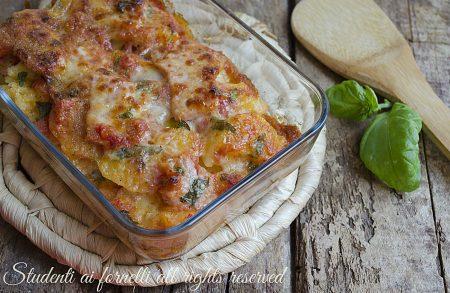 tortino di patate al forno pomodoro-e-prosciutto-al-pomodoro-e-mozzarella-ricetta-secondo-gustoso-veloce