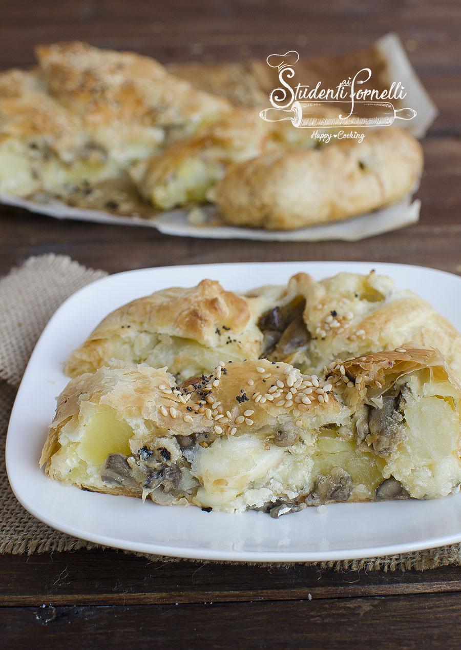 torta salata con stracchino funghi patate mozzarella provola stracchino pasta sfoglia ricetta torta salata
