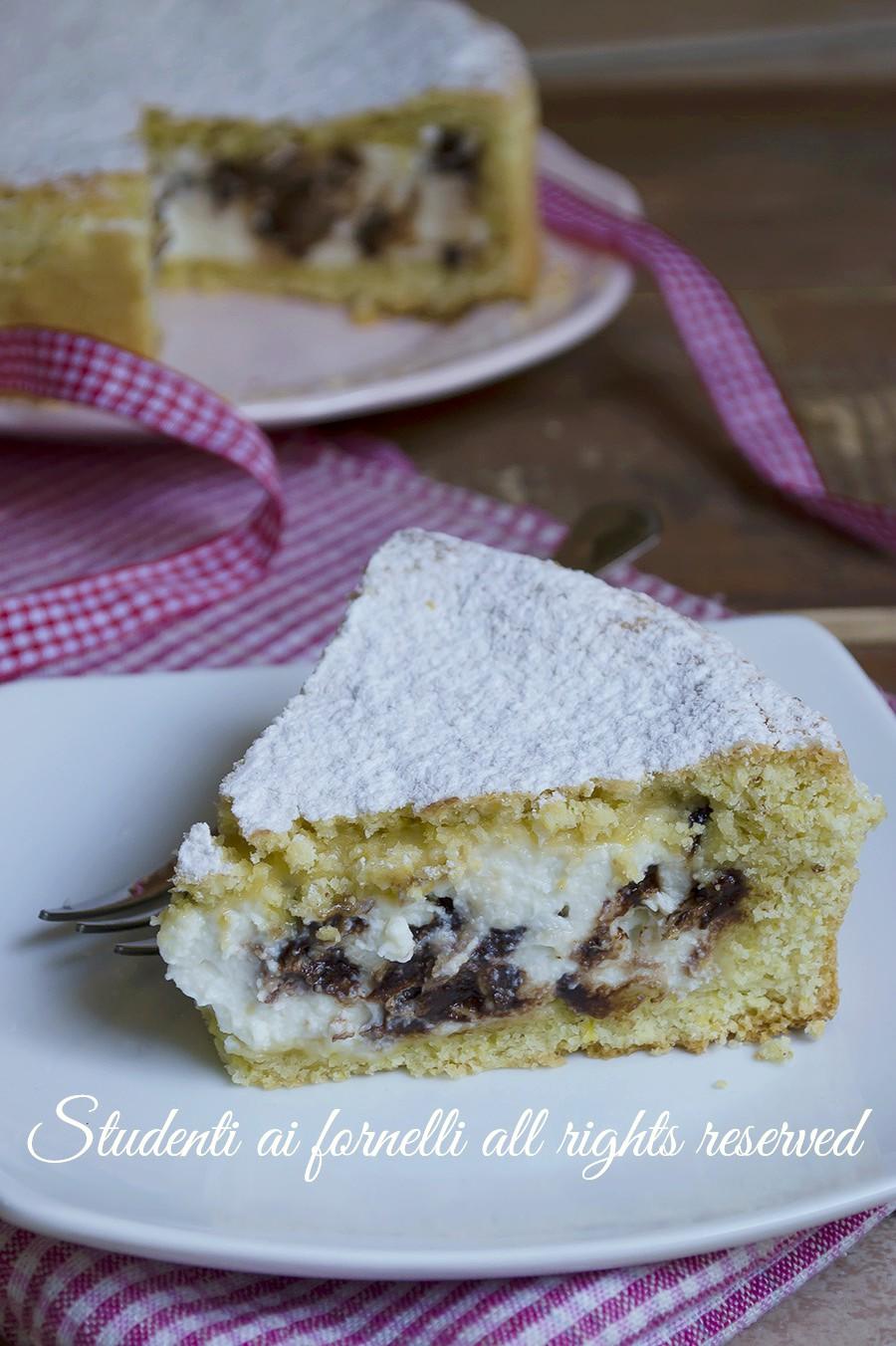 ricetta crostata ricotta e cioccolato-morbida-e-golosa-ricetta-dolce-tipo-cassata-al-forno