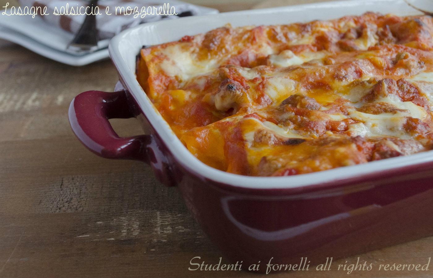 ricetta lasagne con salsiccia e mozzarella con-besciamella-ricetta-lasagna-gustosa-al-ragù