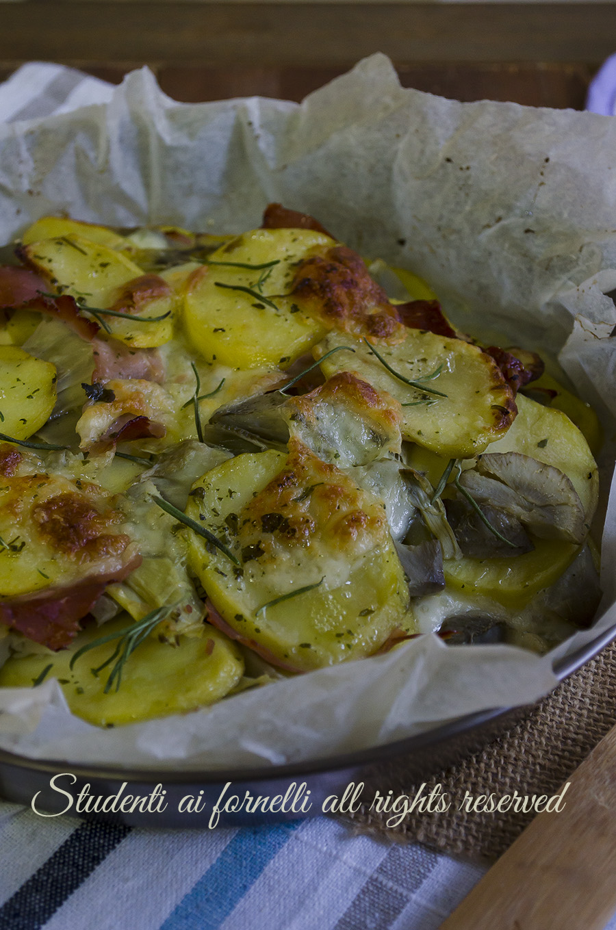 carciofi e patate al forno ricetta-patate-con-carciofi-e-prosciutto-al-forno-con-mozzarella-ricetta-secondo-piatto-facile-veloce-gustoso