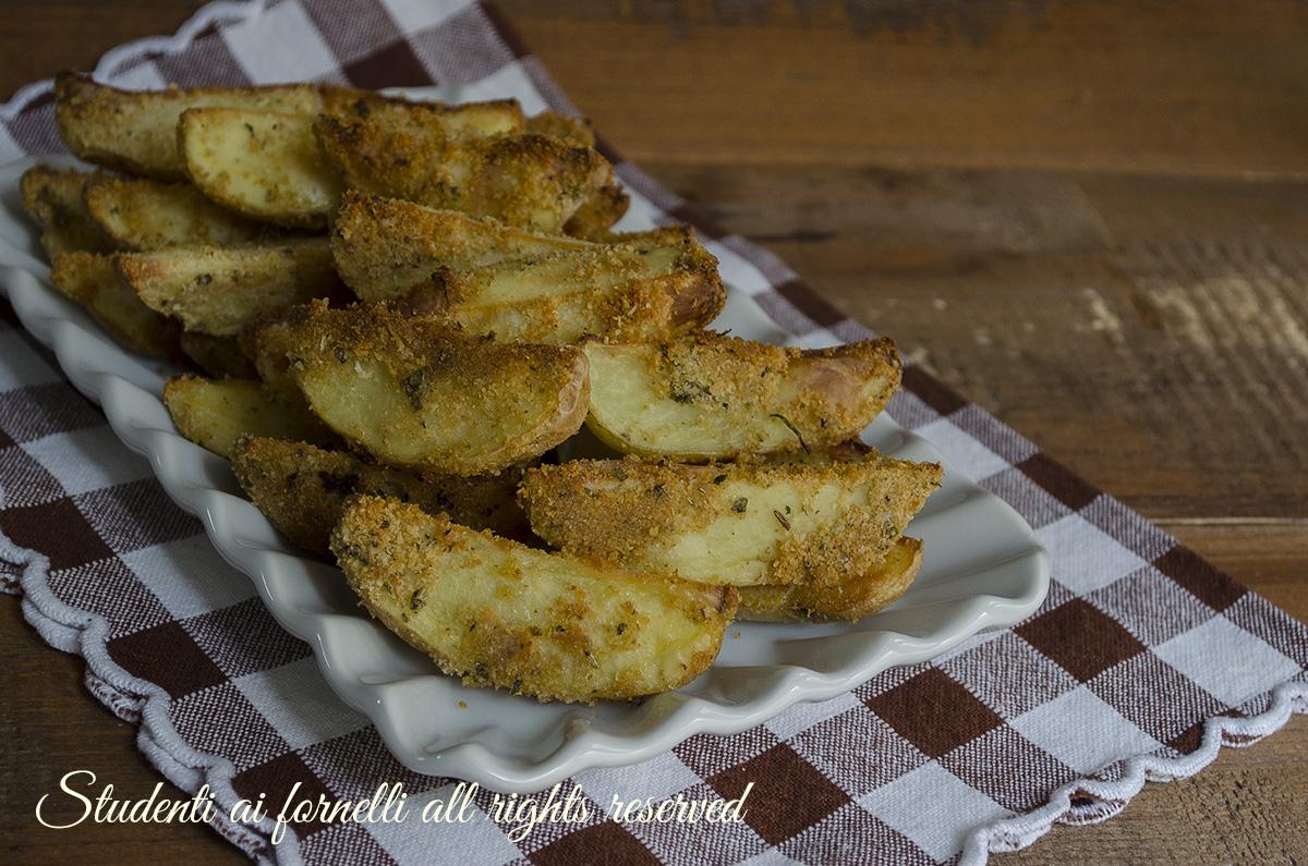 patate al forno croccanti ricetta perfette cotte in forno in pochi minuti