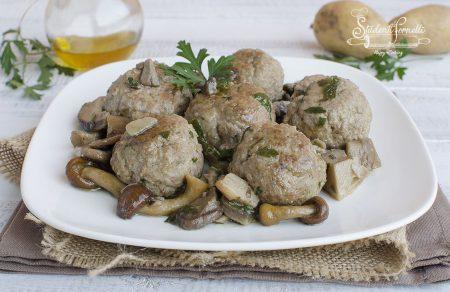 ricetta polpette con funghi in padella ricetta polpette di carne morbide
