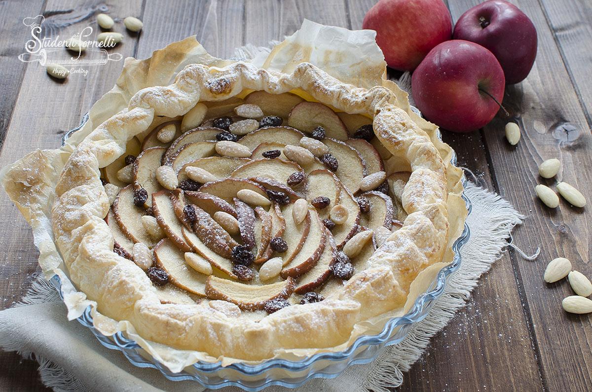 sfoglia di mele con mandorle e uvetta tipo strudel ricetta dolce veloce