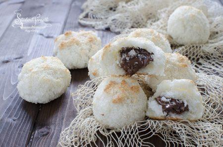 ricetta pasticcini al cocco e nutella ricetta solo albumi 3 ingredeinti dolcetti senza burro senza farina