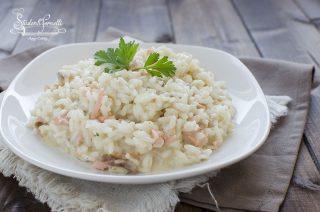 risotto al salmone affumicato o fresco cremoso con formaggi ricetta primo pesce
