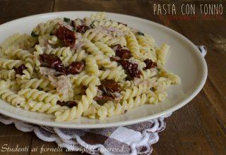 pasta con pomodori secchi e tonno facile veloce condimento ricetta primo piatto