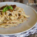 pasta con pesto di pomodori secchi e ricotta cremosa e veloce ricetta primo piatto