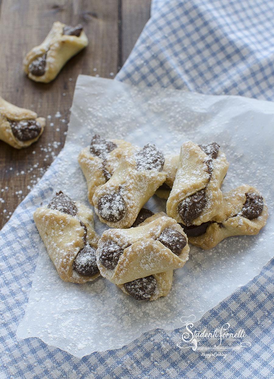 fiochetti alla nutella biscotti di frolla ricetta