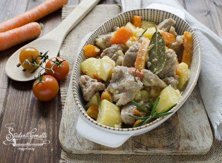 SPEZZATINO IN BIANCO patate e carote CREMOSO