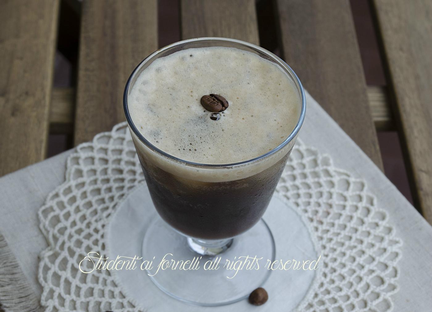 caffè shakerato freddo estivo ricetta estiva-veloce-caffè-freddo