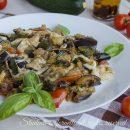 melanzane e zucchine in padella alla pizzaiola