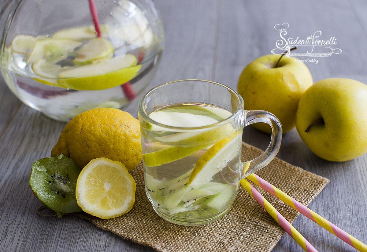 acqua detox mele lmone e kiwi per sgonfiarsi e depurarsi ricetta aromatizzata