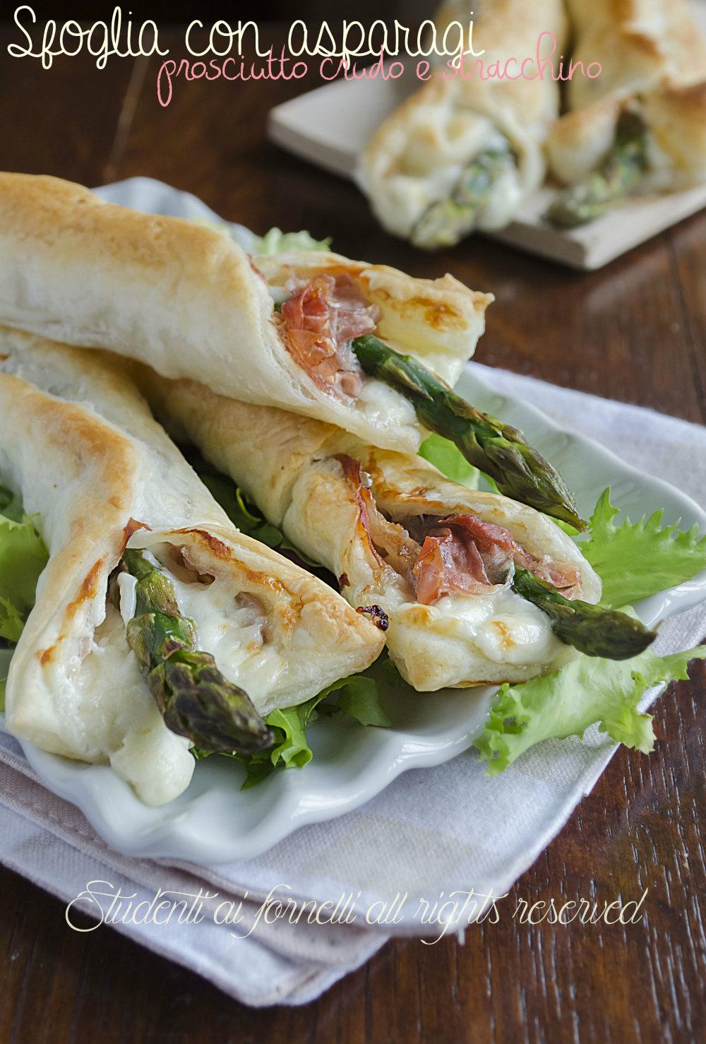 involtini di asparagi prosciutto e stracchion ricetta finger food con pasta sfoglia