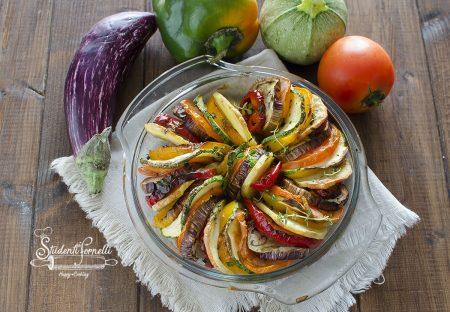 ratatouille di verdure in friggitrice ad aria o al l forno ricetta contorno
