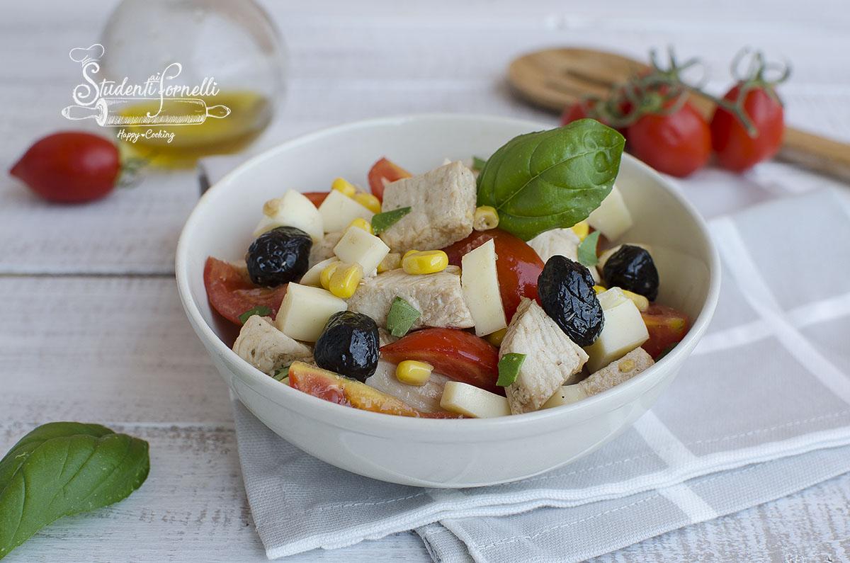 insalata di pollo mediterranea ricetta secondo estivo
