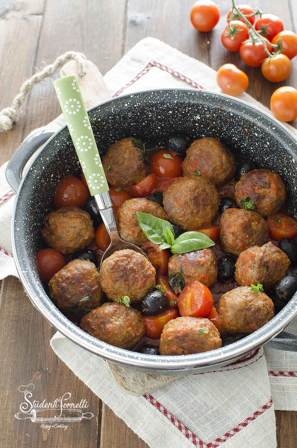 ricetta polpette alla mediterranea pomodorini e olive in padella ricetta secondo