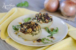 ricetta cipolle gratinate al forno con pomodori secchi rucola e grana ricetta