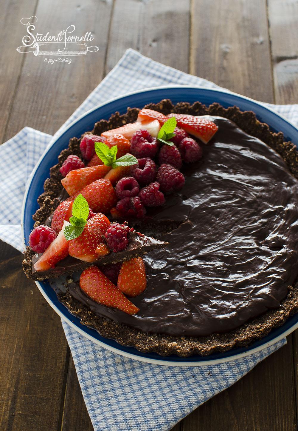 crostata senza cottura al cioccolato fragole ricetta dolce