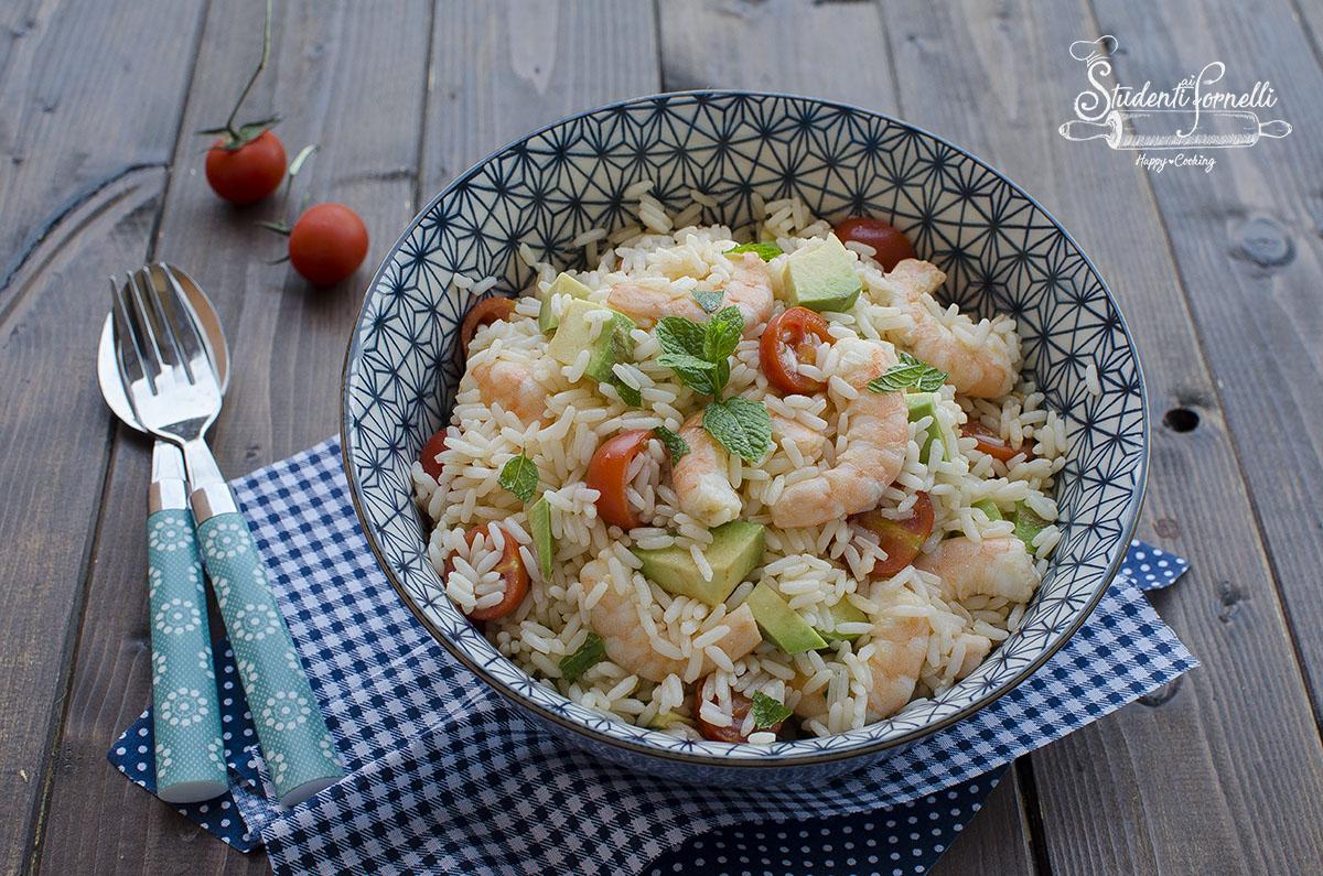 insalata di riso avocado e gamberi ricetta primo estivo