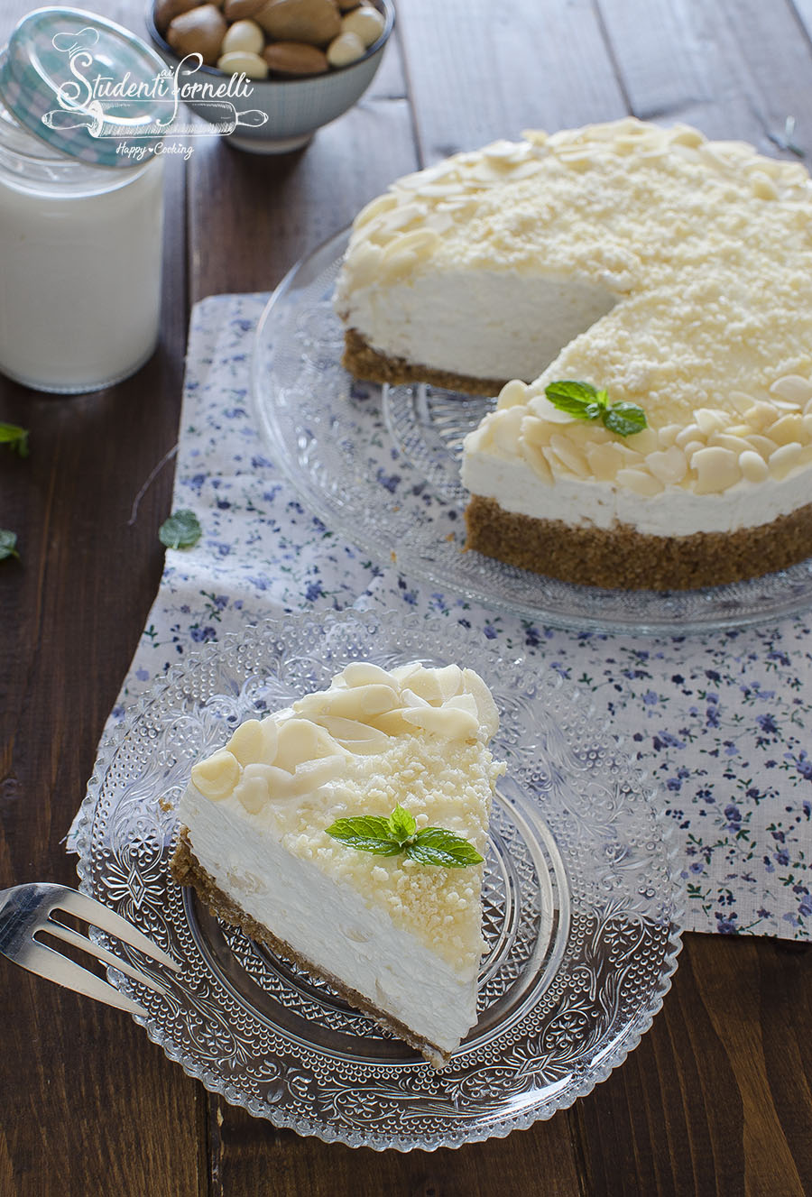 cheesecake al latte di mandorle ricetta dolce senza cottura estate