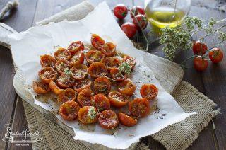 pomodorini confit veloci cotti in friggitrice ad aria condimento