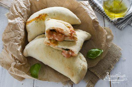 ricetta calzoni alla pizzaiola cotti in friggitrice ad aria veloci ricetta