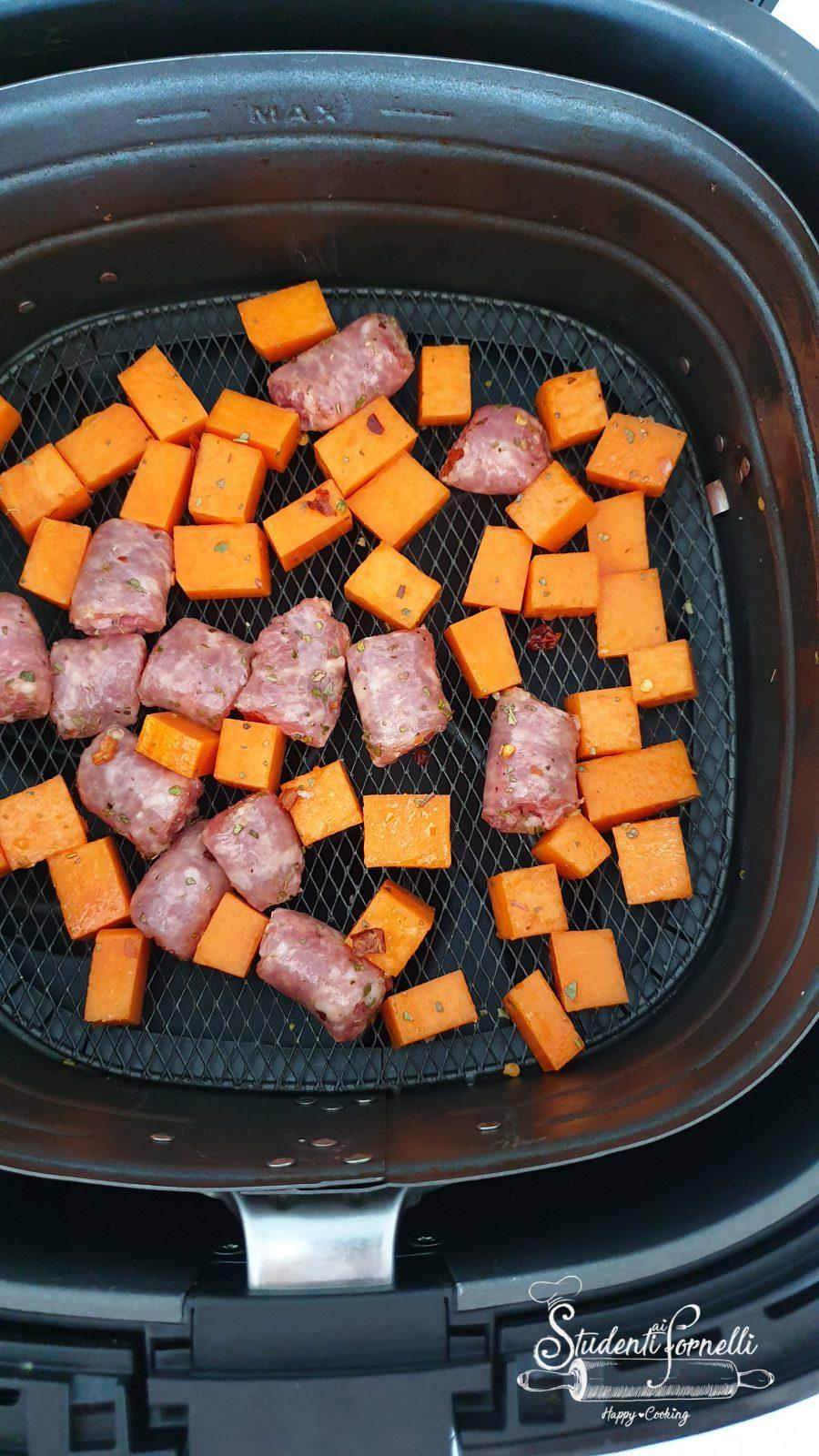 zucca e salsiccia friggitrice ad aria