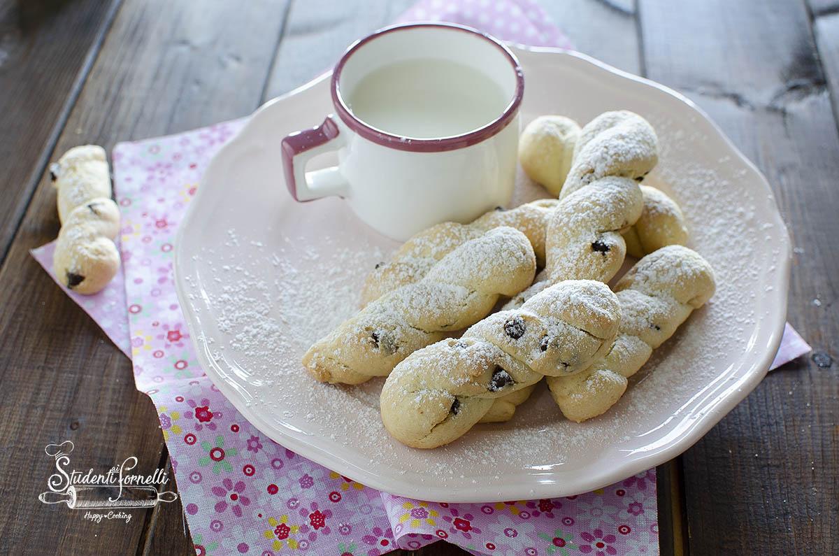 biscotti senza burro con gocce di cioccolato ricetta biscotti all'olio cotti in friggitrice ad aria